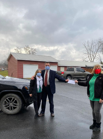 David Maher Presents Donation to MAC House in Moorefield